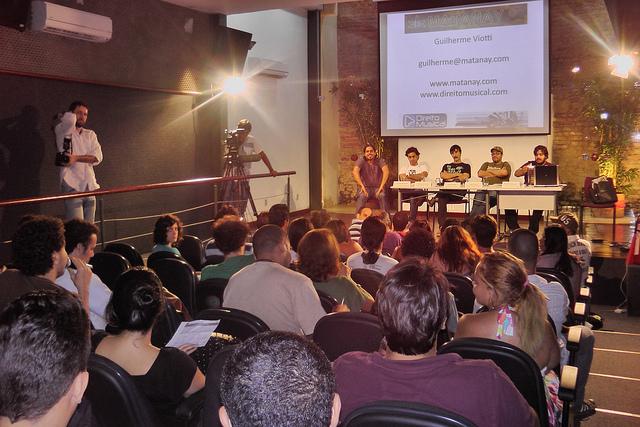 2011 - Série Debate Novos Canais de Distribuição da Música com SEBRAE 1